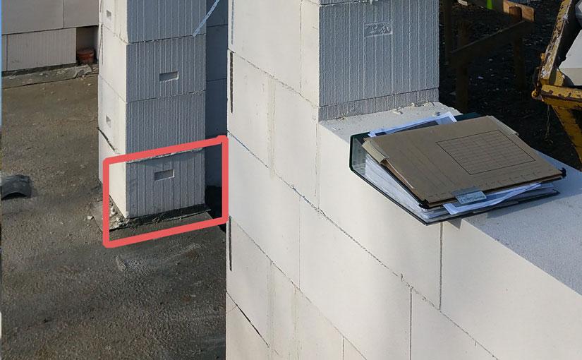 Mauerteil im Eingansbereich 12 cm zu weit nach Innen gesetzt.